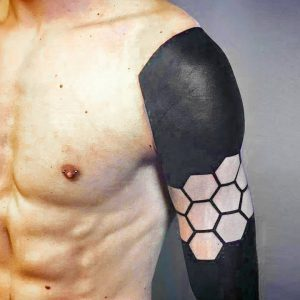 How It Looks Like The Real Geometrical Black Tattoo Art